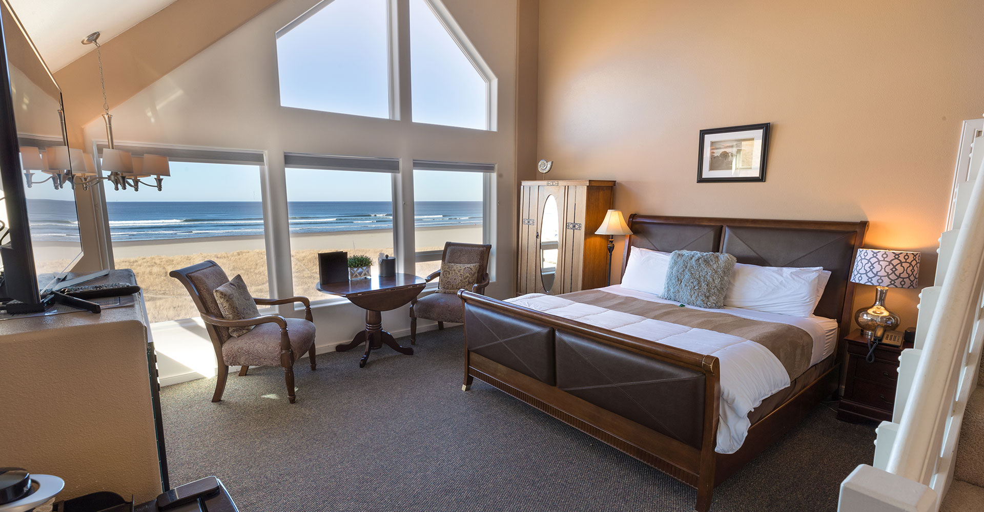 The Seaside Oceanfront Inn Contemporary Beachfront